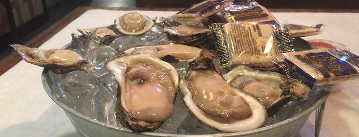 The Crab Hut Cajun Seafood is one of Lugares guardados de K.
