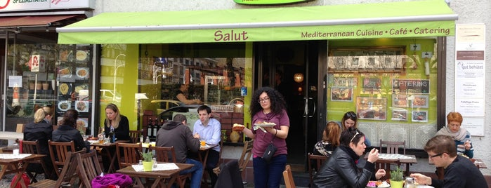 Salut Mediterranean Food & Catering is one of Anton 님이 저장한 장소.