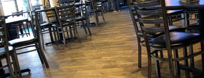 Aversboro Restaurant & Sports Bar is one of สถานที่ที่ Ronald ถูกใจ.