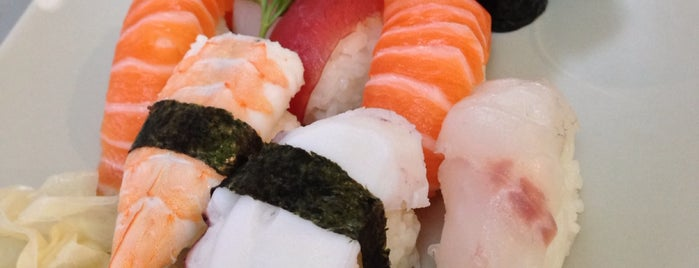 Sushi Leon con cucina Giapponese e Coreana is one of Marianna 님이 좋아한 장소.