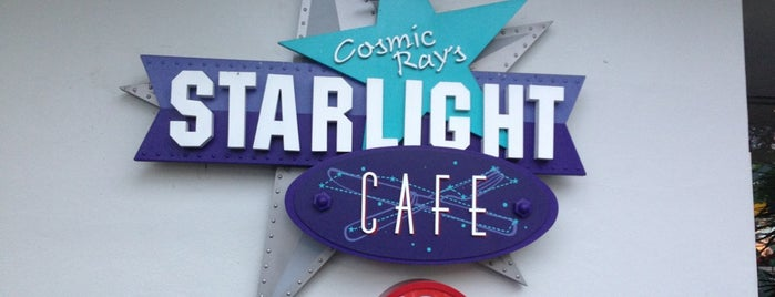 Cosmic Ray's Starlight Café is one of Lugares favoritos de Sarah.