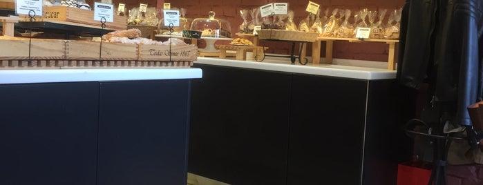 Bread & Cakes is one of Владивосток.