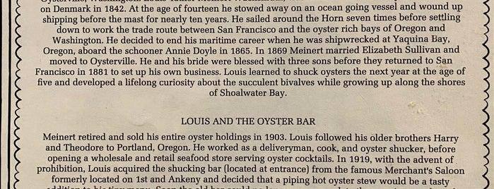 Dan & Louis Oyster Bar is one of Tempat yang Disukai John.