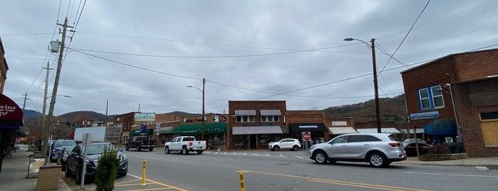 Black Mountain, NC is one of Tempat yang Disukai John.