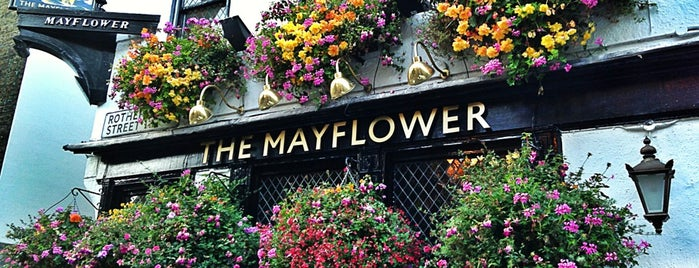 The Mayflower is one of Lieux qui ont plu à Chris.
