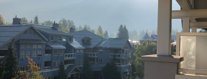 Whistler Village is one of Tempat yang Disukai Jack.