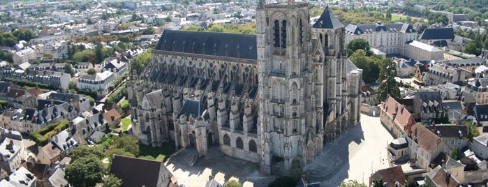 Cathédrale Saint-Étienne de Bourges is one of Europe to-do.