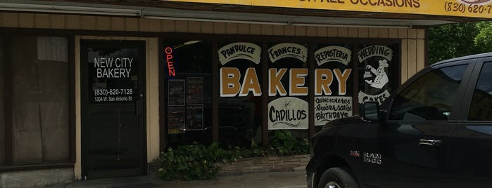New City Bakery is one of Ramonさんのお気に入りスポット.