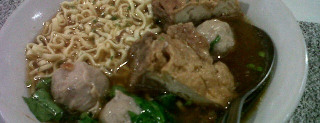 Bakso Mantep, Rawa Lumbu is one of act.