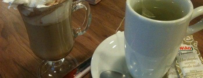 Garden Café is one of Lugares favoritos de Aline.