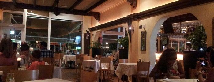 Alejandro's Bar-Restaurante is one of Lugares guardados de Mikel.
