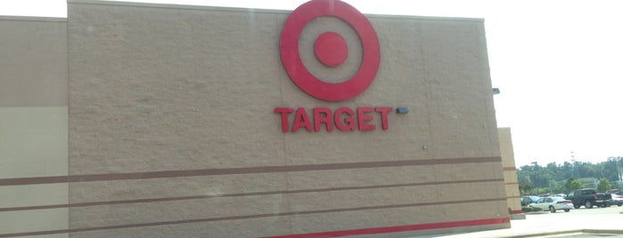 Target is one of Lugares favoritos de Latonia.