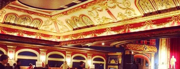 Théâtre Rialto is one of JulienFさんのお気に入りスポット.