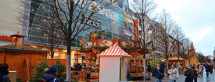 Weihnachtsmarkt Wilmersdorfer Straße is one of Weihnachtsmärkte 2.