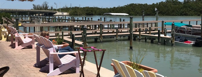 Big Hickory Seafood Grille is one of Bonita Springs.