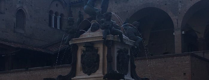 Fountain of Neptune is one of Locais salvos de Francis.
