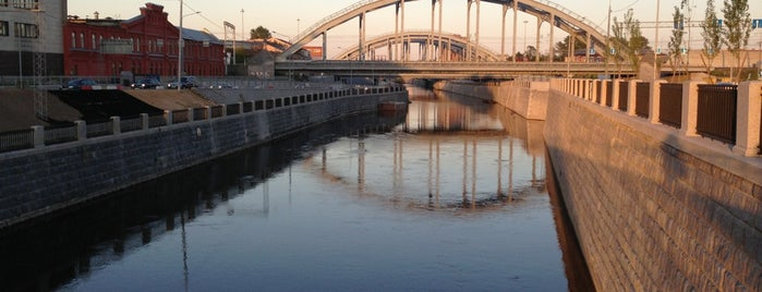 Каретный мост is one of Lugares favoritos de Egor.