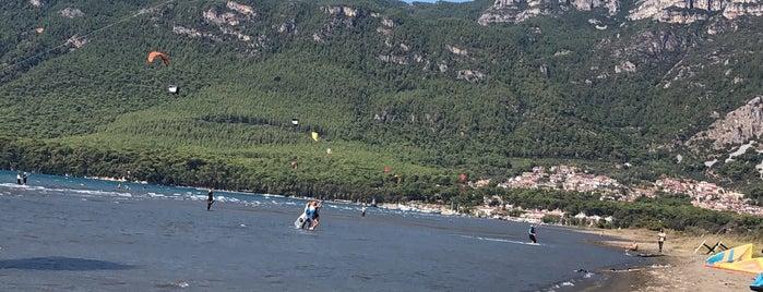 Kitesurf Beach is one of Ozlem'in Beğendiği Mekanlar.