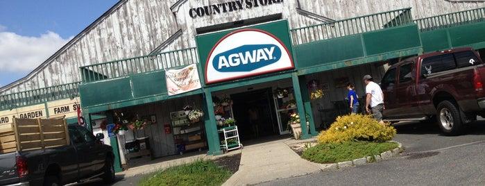 Talmage Farm Agway is one of Locais curtidos por Rumman.