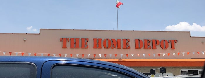 The Home Depot is one of Lieux qui ont plu à René.