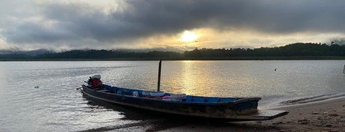 เมืองบาดาล วัดใต้น้ำ is one of Lieux qui ont plu à Vee.