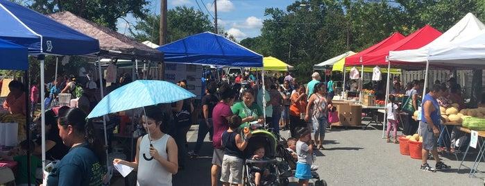 Crossroads Farmers Market is one of Free.