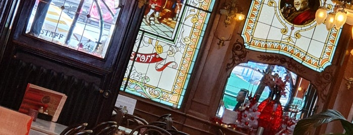 Brasserie Falstaff is one of Tuba 님이 좋아한 장소.