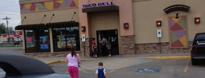 Taco Bell is one of Reverendさんのお気に入りスポット.