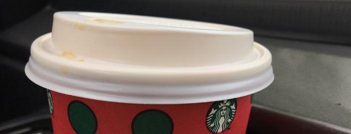 Starbucks is one of Tempat yang Disukai Samet.