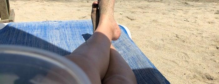 Playa de los Muertos is one of Sayulita.