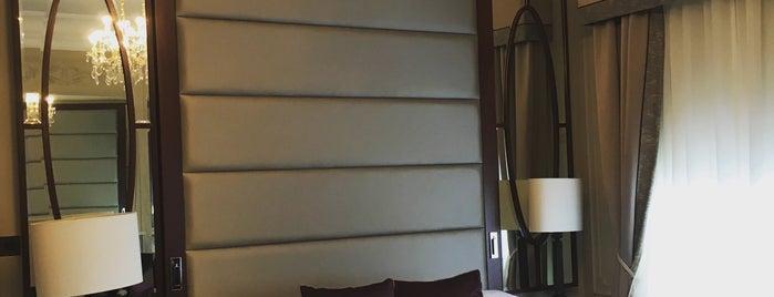 Woodlands Park Hotel is one of Lugares favoritos de Mercy.