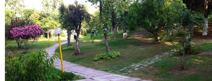 Atakoy Bahar Sitesi is one of Lugares favoritos de Ersin.