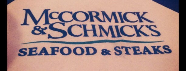 McCormick & Schmick's is one of Lugares favoritos de Ailie.