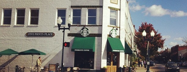 Starbucks is one of Susanさんのお気に入りスポット.