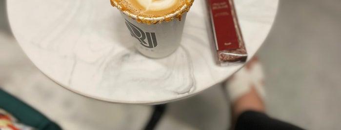 RJ Cafe is one of Gespeicherte Orte von Queen.