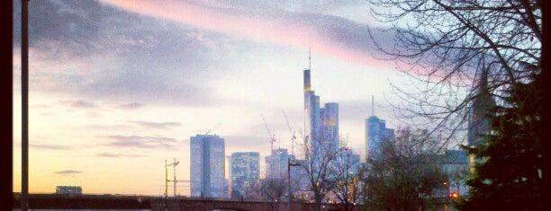 Mainufer is one of Foursquare Best Of Frankfurt: Parks und Plätze.