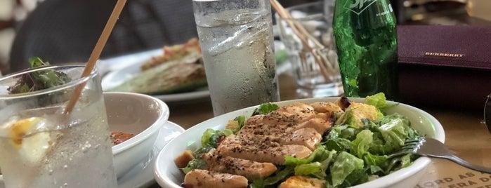 South Pointe Tavern is one of Posti che sono piaciuti a Eve.