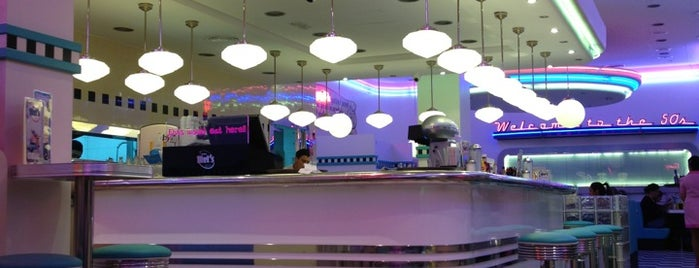 Tommy Mel's is one of De cena.