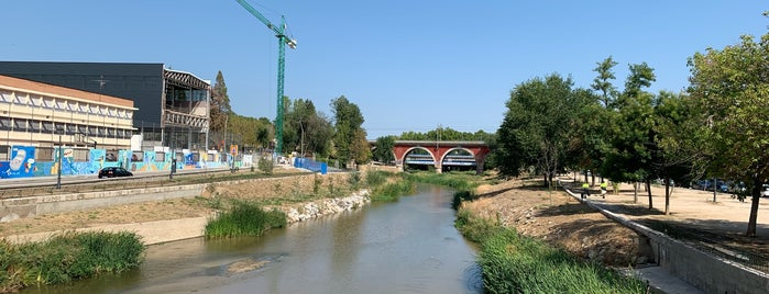 Presa nº3 is one of Madrid Río: Puentes, pasarelas y presas.