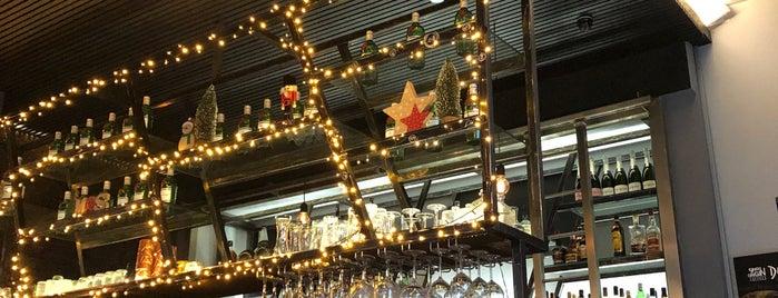 WallStreet Food and Bar is one of Posti salvati di Kyriaki.