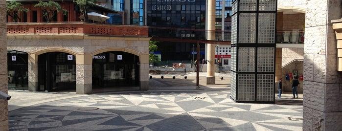 Forum Aveiro is one of VISITAR Aveiro.