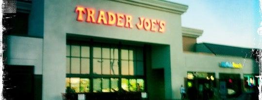 Trader Joe's is one of Orte, die Dawn gefallen.