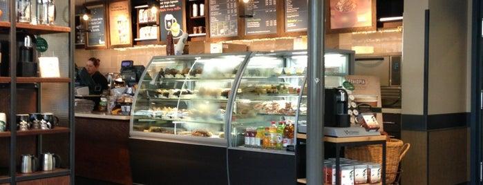 Starbucks is one of Annabelle : понравившиеся места.