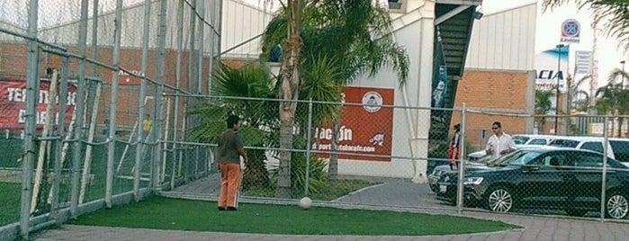 Soccer City is one of สถานที่ที่ Luis ถูกใจ.