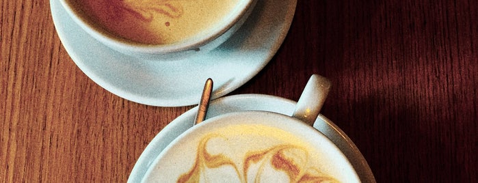Double B Coffee & Tea is one of Москва.