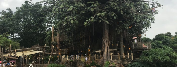 Tarzan's Treehouse is one of Chelseaさんのお気に入りスポット.