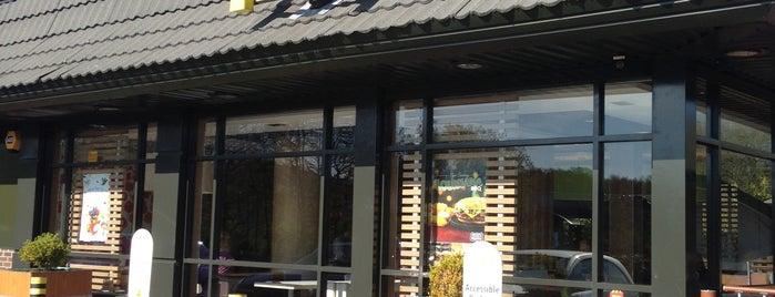 McDonald's is one of Locais curtidos por Adam.