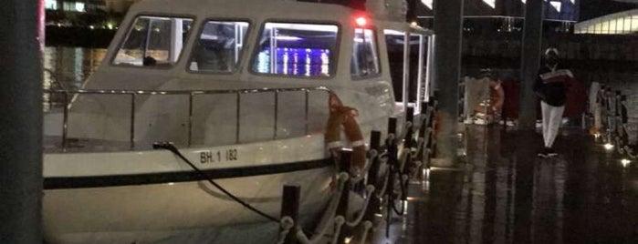 Sea Taxi is one of Locais curtidos por Nawal.