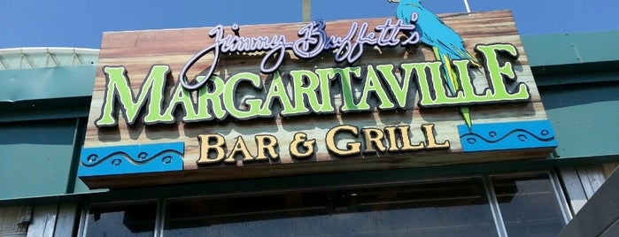Margaritaville Bar & Grill is one of Locais salvos de Estela.
