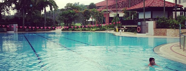 National Service Resort & Country Club - SAFRA Resort is one of Lugares favoritos de Andrew.